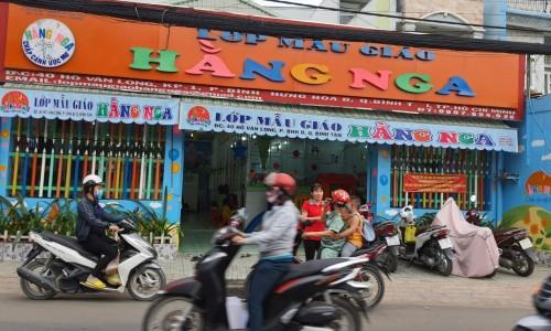 Nhà 2 lầu đẹp đường Bình Thành, Q. Bình Tân - Giá 1,8 tỷ LH:Anh Giang