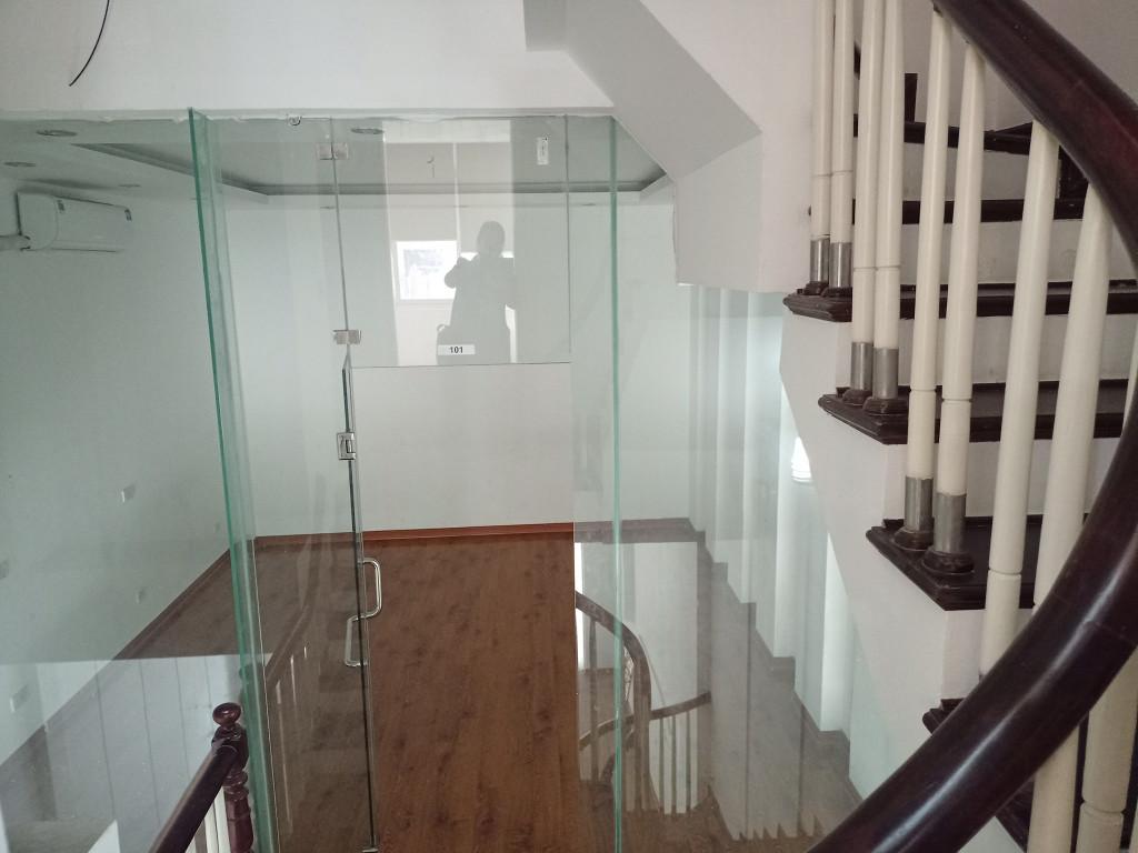 Bán nhà Cầu Giấy , oto tránh, vỉa hè , kinh doanh, 6 tầng, cho thuê giá cao