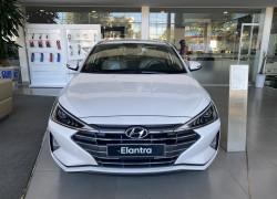 Hyundai Elantra - giảm sâu mùa CoVid