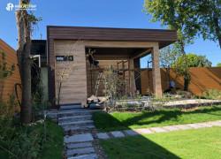 Sử dụng gỗ nhựa làm nhà gỗ phong cách hiện đại