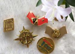 Huy hiệu cài áo, huy hiệu kim loại mạ vàng, cờ cài áo