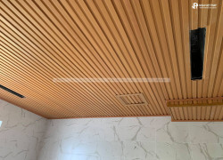 Công trình ốp trần gỗ nhựa độc đáo