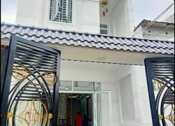 cần bán nhà ngay Phú Hoà.