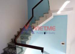Cầu thang kính Bắc Ninh