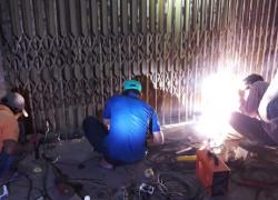 sửa cửa sắt Hóc Môn giá rẻ - giá sửa cửa sắt 2021
