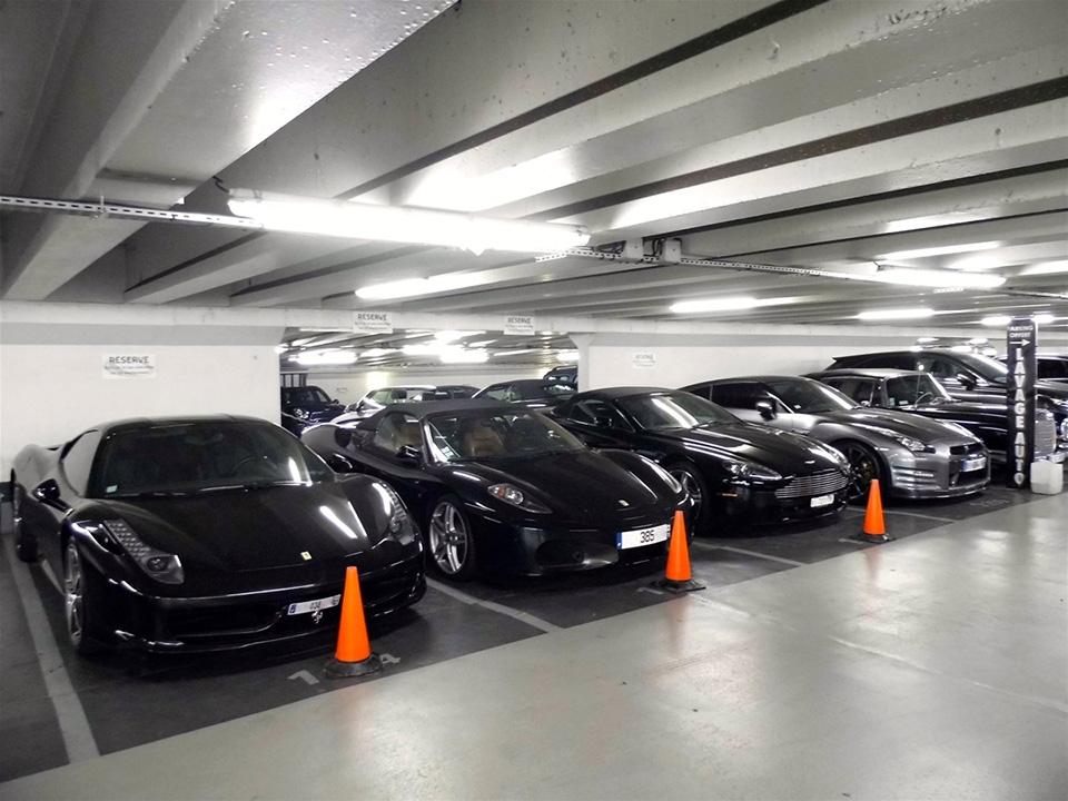 Vì sao nên đỗ ô tô trong bãi quay đầu ra ngoài?