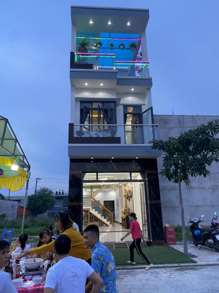 Cần Bán Nhà 2 Lầu tại Thuận An, Bình Dương