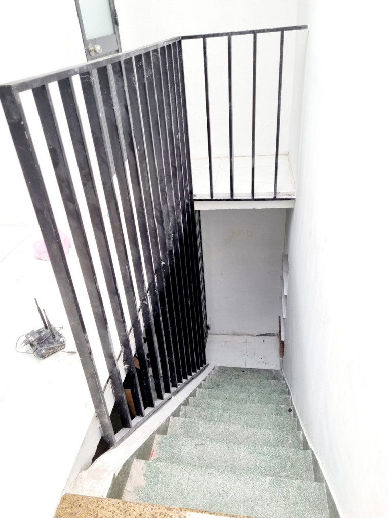 Bán căn hộ Lầu 2 Võ Trường Toản, P2, Bình Thạnh. 1,8 tỷ