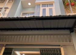 Bán Lỗ Căn Nhà, 2 Lầu , Chợ Bà Hom,- Bình Tân , Giá 2,3 Tỷ LH A. Giang để xem Nhà.